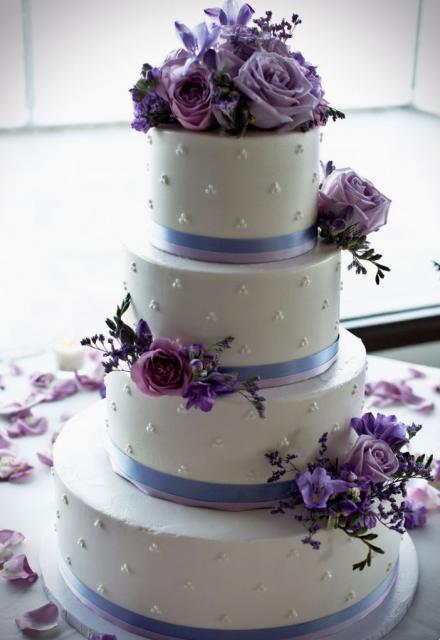 purple wedding cake images white 4 tier wedding cake with lavender light purple 18918