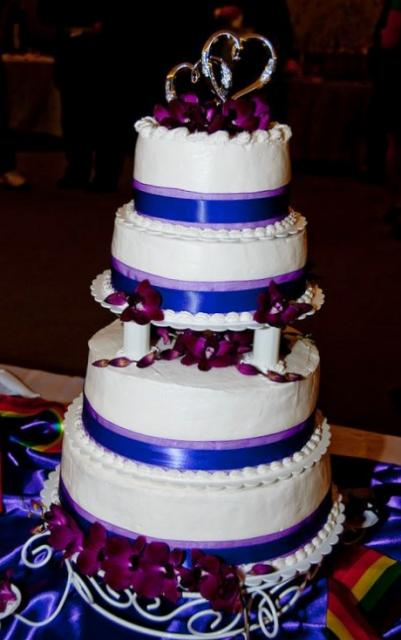 4 tier wedding cake with pillars 4 tier white wedding cake with pillars and silver 10423