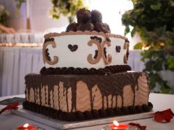Elegant groom's cake with chocolate covered strawberries.JPG