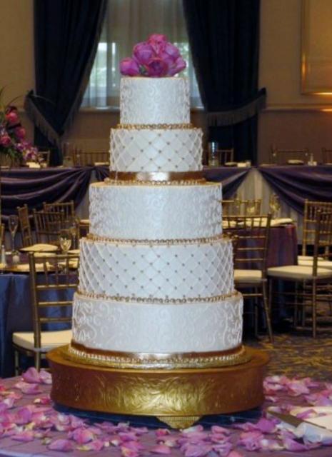 Gold And Ivory Wedding Cakes Ivory Wedding Cake w/ Gold