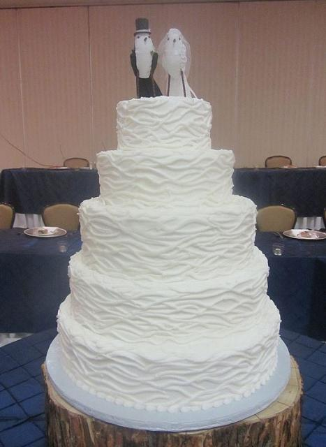 5 tier wedding cake 5 tier white ruffled wedding cake with bird 10462